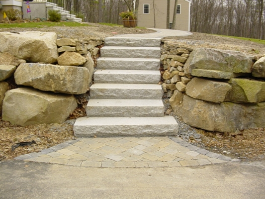 Ideal Yankee Cobble with granite steps